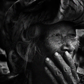 old woman by Zaki Nasution - People Portraits of Women