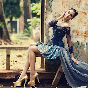 by Arrahman Asri - People Fashion ( glamour, fashion, bench, blue, kebaya, gold, people )