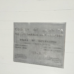 Read the plaque parking garage and heliport for Location plaque garage