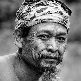 smile by Hendri Suhandi - People Portraits of Men ( people. portrait, bali, tenganan, men )