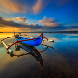 Lost by Choky Ochtavian Watulingas - Transportation Boats ( clouds, seashore, clouds and sea, sea, reflections, beach, sunrise, seascape, boat, skies )