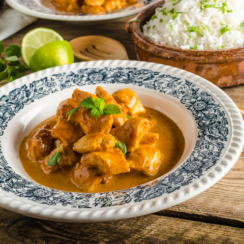 Chicken Korma Recipe (in just 20 minutes)