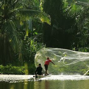 fisherman by Khairur Rijal Pauzi - People Street & Candids ( canon, instrgram, moment, candids, lanscape, people, human )