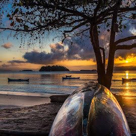 canoe sunrise by Wado Chicchan - Landscapes Sunsets & Sunrises