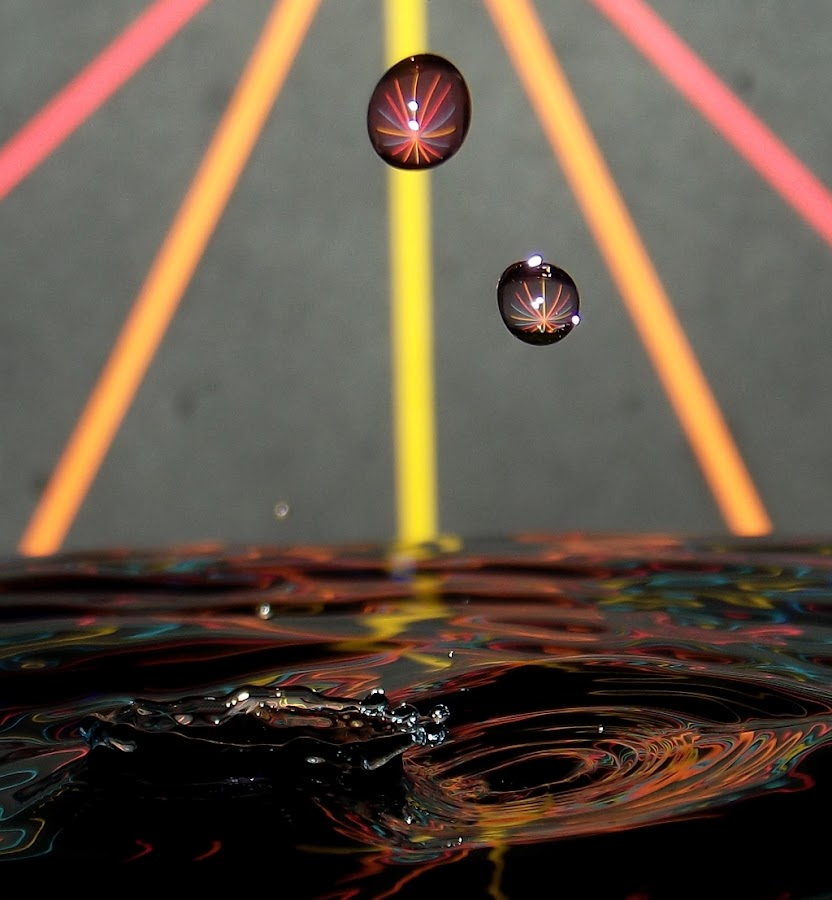 HeHE4 by John Geddes - Abstract Water Drops & Splashes