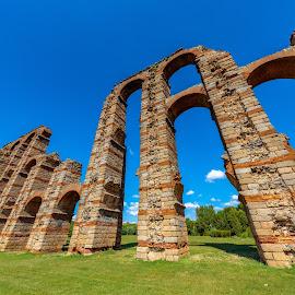 acueducto romano de Mérida by Roberto Gonzalo - Buildings & Architecture Bridges & Suspended Structures