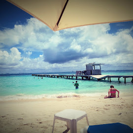 The Beach by Jesse Thrush - Instagram & Mobile Android ( cancun, beach )