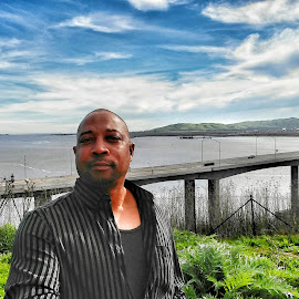 Road trip selfie by Mark Sarden - People Portraits of Men ( water, selfie, person, road trip, bridge )