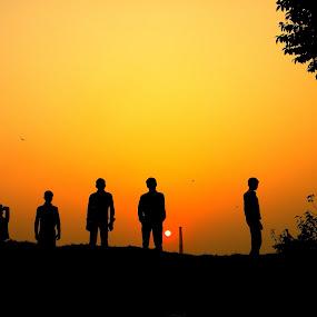 FIVE MAN ARMY................... by Arunabha Kundu - People Group/Corporate ( soham, pratiki, arijit, arnab, dipankar )