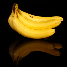 Bananas by Cristobal Garciaferro Rubio - Food & Drink Fruits & Vegetables ( platanos, banana, reflection, bananas, reflections, yellow )