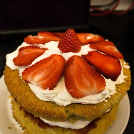 My Victoria Sponge Cake is complete and looks great! by Sam Kirimli - Food & Drink Cooking & Baking