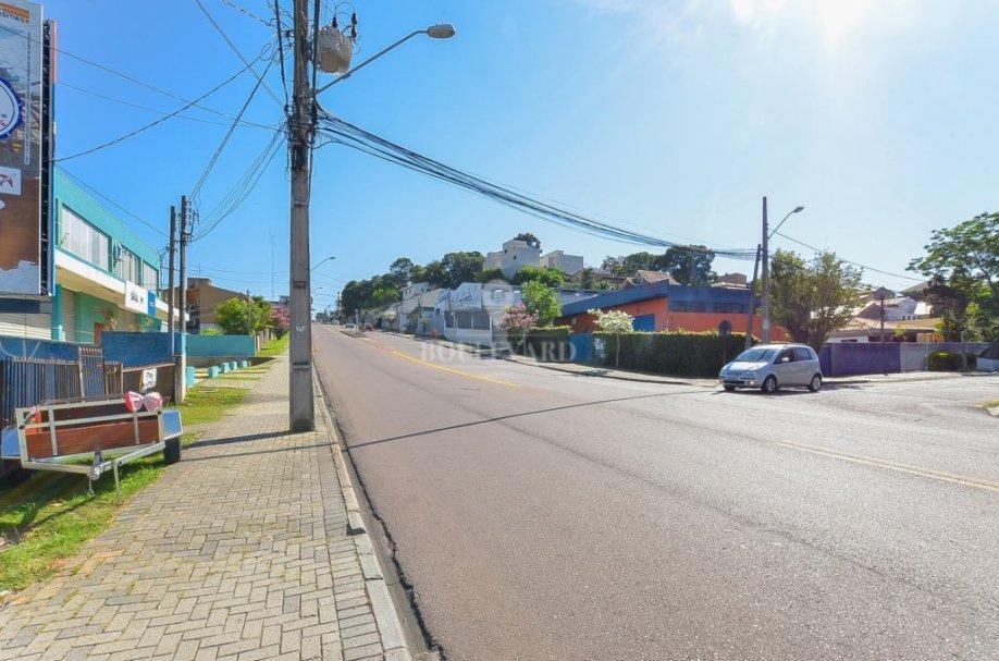 Loja Comercial de Frente no Guabirotuba