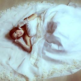 style of wedding by Anson Maysa - Wedding Bride