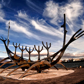 Sun Voyager by Stanley P. - Buildings & Architecture Statues & Monuments ( statues, architecture )
