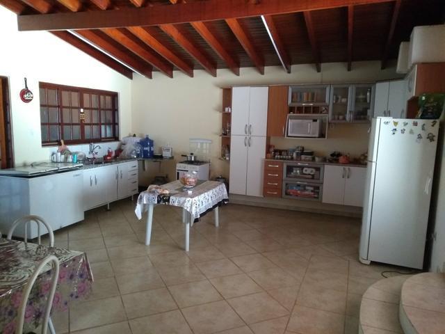 Chácara com 3 dormitórios à venda, 240 m² por R$ 645.000 - Jardim Aliança - Campinas/SP