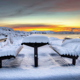 Sit down by Jan Helge - Artistic Objects Furniture ( bench, snow, white, sun, norway,  )