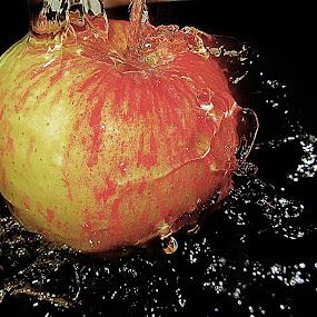 Apple Splash... by Shambhunath Sadhu - Food & Drink Ingredients ( water, pwcfruit-dq, fruit, splash, apple, black )