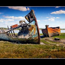 by Stephen Hooton - Uncategorized All Uncategorized ( boats )