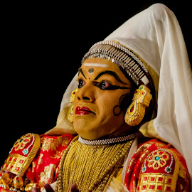The Face Of The Chronicler-21 by Vijayanand Celluloids - People Musicians & Entertainers ( face, dance form, kathakali dancer, traditional dance, kerala, painted faces, colours, face colours, colour, kerala traditional dance, tradition, kathakali dance, dance, dancer, kathakali )