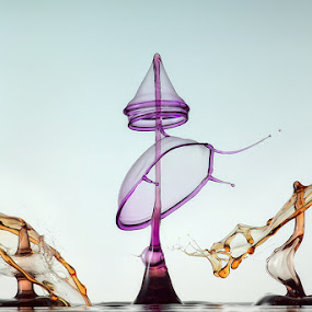 Tripple by Markus Reugels - Abstract Water Drops & Splashes