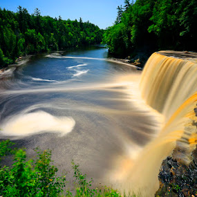 Tahquamenon Upper Falls by Shixing Wen - Landscapes Waterscapes ( waterfall, landscape photography, tahquamenon state park, upper peninsula of michigan, tahquamenon upper falls )
