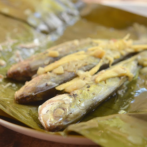 Banana-Wrapped Salay-Salay Fish