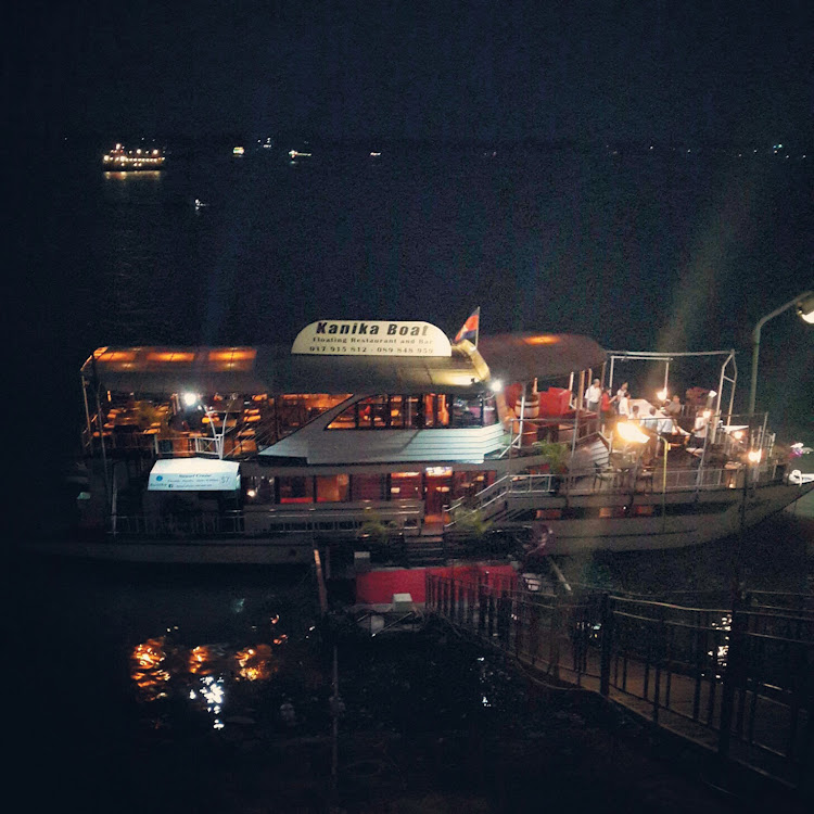 Kanika Boat, Floating Restaurant