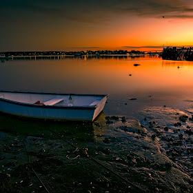 boat float sunset.jpg