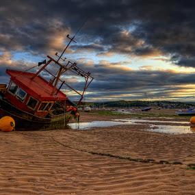 by Glen Unsworth - Transportation Boats