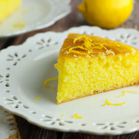 Mom's Luscious Lemon Cake