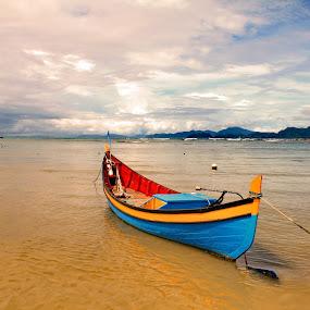 by Riza Umary - Transportation Boats