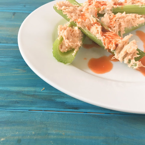 Low Carb Buffalo Chicken Snack