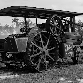 Steam Engine by Robert Coffey - Black & White Objects & Still Life ( machinery, steam.engine, vintage, metal, wheels )