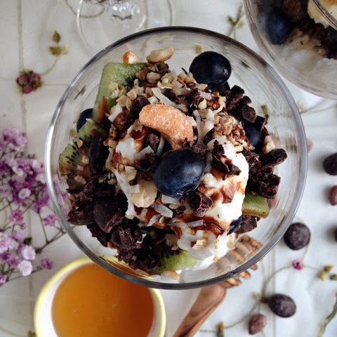 Greek Yogurt Parfaits with DOVE Fruits and Nuts