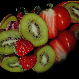 kiwi with strawberry by LADOCKi Elvira - Food & Drink Fruits & Vegetables ( fruits )