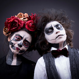 Day of the Dead by Debbie Duggar - People Couples