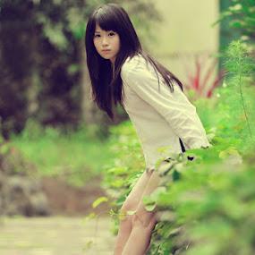 Angeline by Po Cin Tjam - People High School Seniors