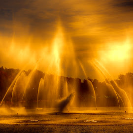 fountain spray by Egon Zitter - Landscapes Waterscapes ( themepark, spray, sunset, fountain, evening )