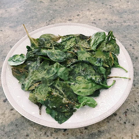 Baked Spinach Chips (Low Carb)