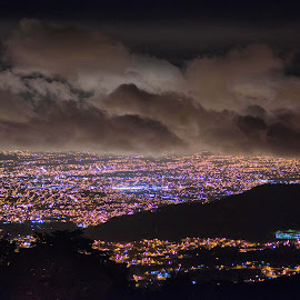 San José seen from Jericó by Annette Flottwell - City,  Street & Park  Night ( clouds, lights, nuages, jericó, san josé, nubes, noche, night, luces )