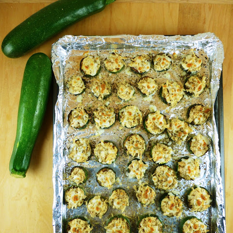 Mini Chicken Alfredo Zucchini Pizzas (Low Carb, Gluten-free)