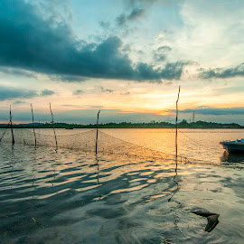 Dawn of the Sunset by Yohan Ardlia - Landscapes Beaches ( sunset, boats, seascape, natural )