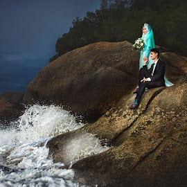 new life begin by G-en Are Lock Stuck - Wedding Bride & Groom