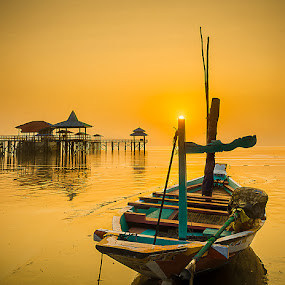 Goldy by Woe Hendrik husin - Transportation Boats