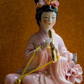 The little musician by Sanlap Biswas - Artistic Objects Toys ( doll macro fensui )