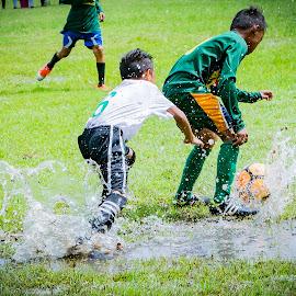 catch it! by Empty Deebee - Sports & Fitness Soccer/Association football ( soccer, game, football )
