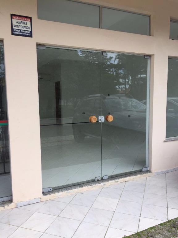 Sala Comercial Frente Rua Em Zimbros,Locação Anual.