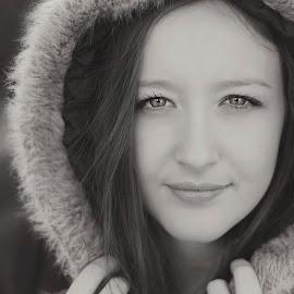 Those eyes by Jason Aspland - People Portraits of Women ( canon, black and white, stunning, portrait, eyes )