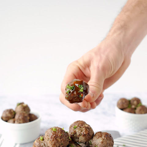 Elk Meatballs with Sweet & Spicy Sauce