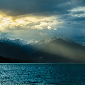 Sunrise In Pangong by Dhritiman Lahiri - Landscapes Mountains & Hills ( hills, mountain, travel, sunlight, landscape, ladak, mountains, dhritiman, snow, natgeo, canon 10-22, kashmir, landscape photography, india, lonelyplanet, sunrise, travel photography, #GARYFONGDRAMATICLIGHT, #WTFBOBDAVIS )